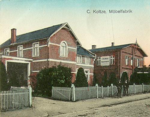 C. Koltze Möbeltischlerei 1900, Rechts Daneben Die Giebelseite Des  Kleinkaten Voss, Im Hintergrund Noch Das Dach Des Katen Appel (alle Gebäude  1902 ...